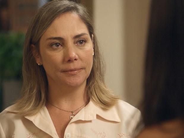 Beatriz conta toda a verdade para Sandra (Foto: TV Globo)
