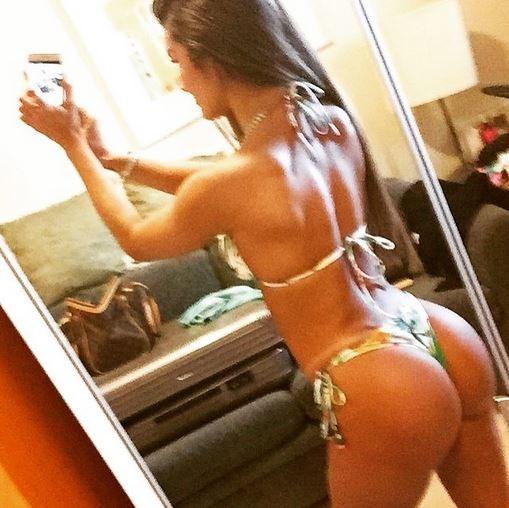 Carol Muniz mostra corpão (Foto: Reprodução / Instagram)