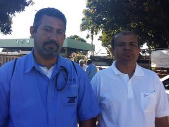 O motorista Luiz Costa e o cobrador Josinaldo da Silva (Foto: Isabella Calzolari/G1)