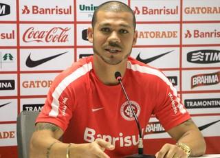 Nilton Inter Internacional (Foto: Diego Guichard/GloboEsporte.com)