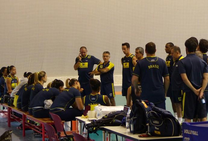 Mundial de vôlei - Treino seleção feminina  (Foto: Lydia Gismondi)