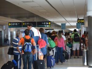 Passageiros no Aeroporto de Viracopos em Campinas (Foto: Priscilla Geremias/G1)