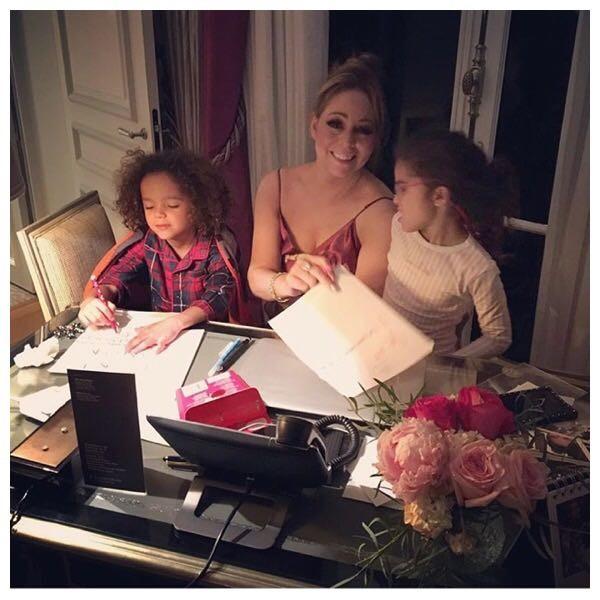 Mariah Carey e os gêmeos escrevem carta ao Papai Noel (Foto: Reprodução Instagram)