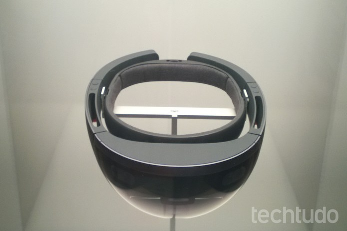A simulação com o Hololens é surpreendentemente real (Foto: Elson Junior/TechTudo)