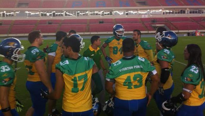 Brian Guzman, na seleção brasileira de futebol americano (Foto: Divulgação / Felipe Jardim)