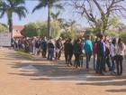 Feira de empregos em Sumaré, SP, reúne multidão em área residencial