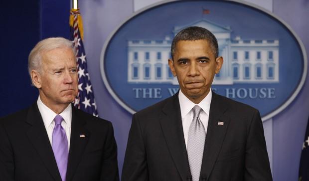 O vice-presidente dos EUA, Joe Biden, e o presidente Barack Obama nesta quarta-feira (19) na Casa Branca (Foto: AP)
