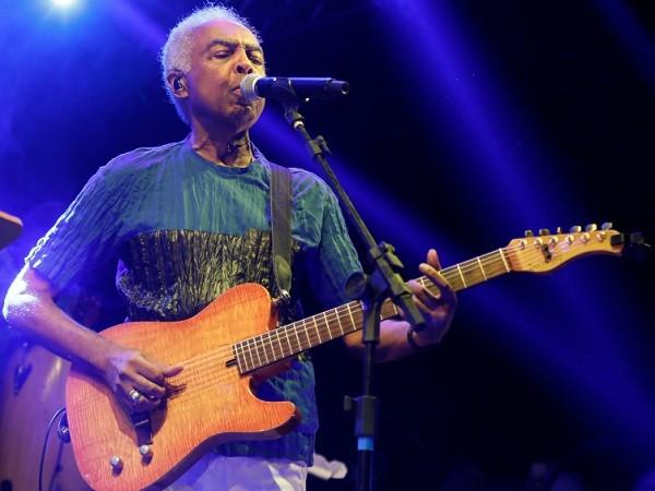 """Gil canta o sucesso """"A novidade"""" no show em homenagem a Chico Science (Foto: Felipe Panfili)"""