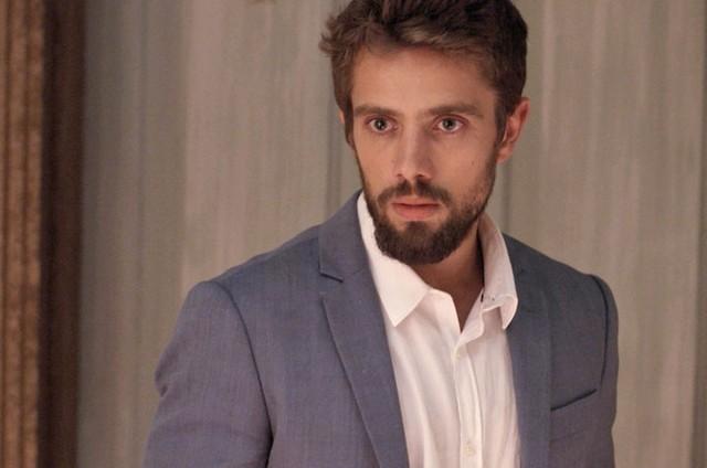 César (Rafael Cardoso) (Foto: Reprodução)