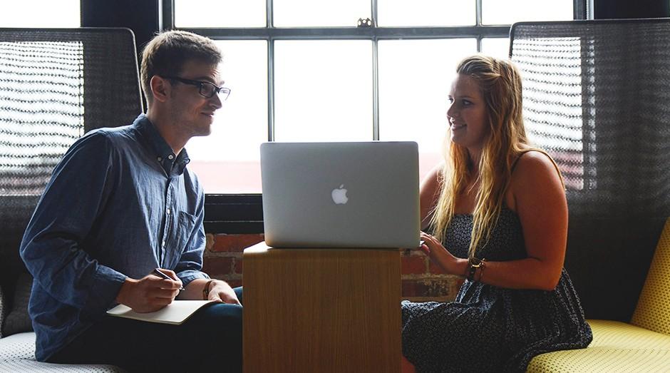 parceiros, sócios, sociedade, startup, amigos (Foto: Startup Stock Photos)