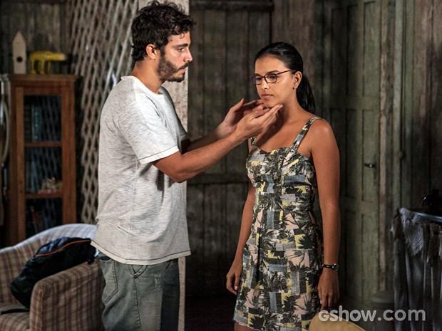 William e Celina discutem (Foto: Inácio Moraes/TV Globo)