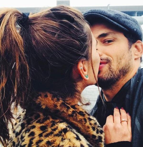 Mariana e Cauã sempre compartilham momentos apaixonados nas redes sociais  (Foto: Reprodução Instagram )