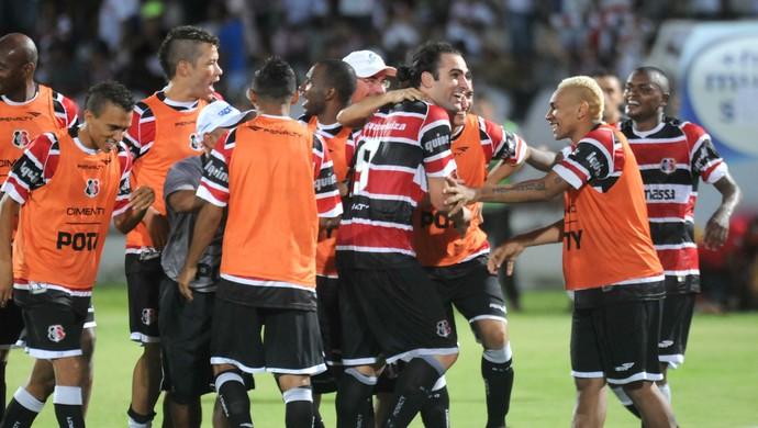 Santa Cruz x Sport - Léo Gamalho  (Foto: Antônio Carneiro/ Pernambuco Press)