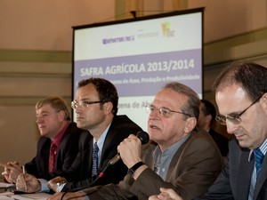 Tarso Genro safra agrícola RS (Foto: Caroline Bicocchi/Palácio Piratini)