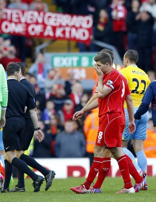 Gerrard Liverpool despedida Crystal Palace (Foto: Jon Super/AP)