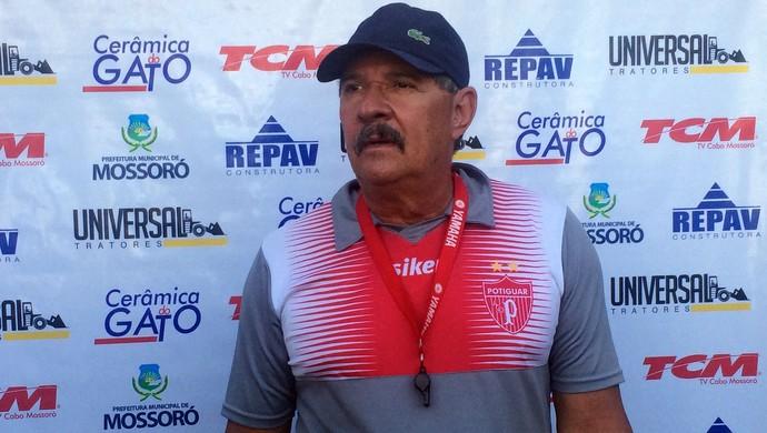 Pedrinho Albuquerque técnico do Potiguar de Mossoró (Foto: Luiz Henrique/GloboEsporte.com)