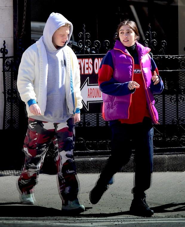 Lourdes Leon caminha por NY acompanhada (Foto: Grosby)
