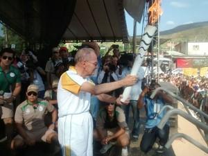 Bispo emérito Dom Lélis Lara encerrou percurso de Fabriciano (Foto: Pedro Samora/ GE)