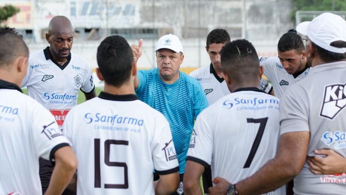 Edson Vieira Treinador Rio Branco-SP Tigre (Foto: Sanderson Barbarini / Foco no Esporte)