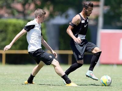 Caio e Thiago Maia Santos (Foto: Pedro Ernesto Azevedo / Santos FC)