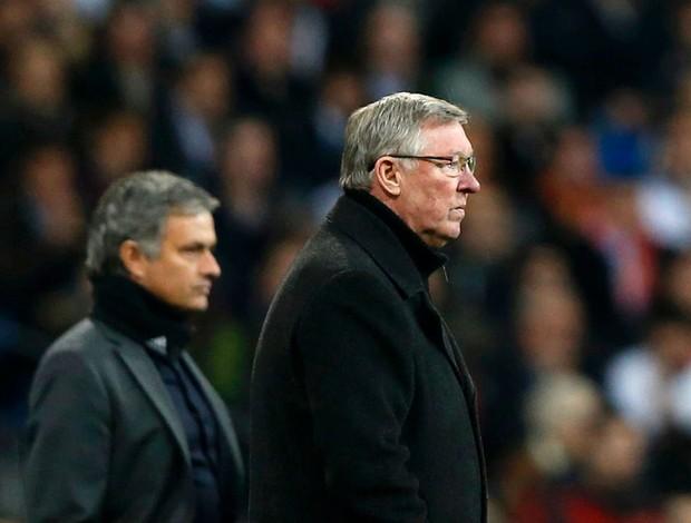 Alex Ferguson e José Mourinho no jogo do Real Madrid contra o Manchester United (Foto: Reuters)