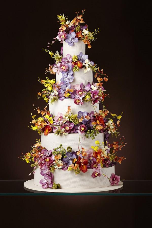 Casamento 5 tipos de bolo que ser u00e3o tend u00eancia em 2018 Glamour Casamento -> Decoração De Bolo Com Flor Natural