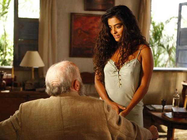 Gabriela recebe o coronel na casa de Nacib (Foto: Gabriela / TV Globo)