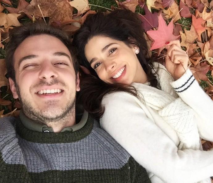 Apesar da distância, o amor entre eles fala mais alto: 'Não largo de jeito nenhum', garante a atriz (Foto: Arquivo pessoal)