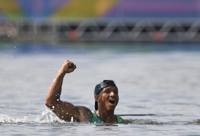Isaquias Queiroz bronze canoagem Olimpíada Rio (Foto: Damien Meyer / AFP)