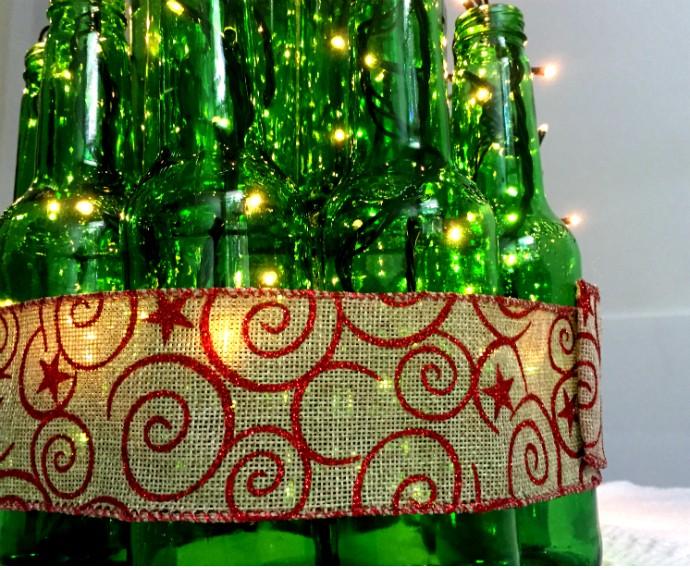 Árvore de Natal criativa monte a sua usando garrafas de vidro notícias em Como fazer -> Decorar Garrafa De Vidro Para Natal