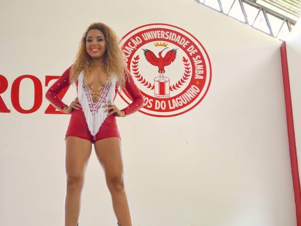 Sayane Kamila, de 20 anos, rainha de bateria da Boêmios do Laguinho (Foto: Fabiana Figueiredo/G1)