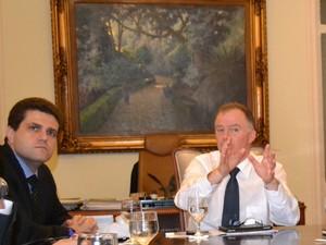 Governador Renato Casagrande e o secretário de Transportes Fábio Damasceno (Foto: Murilo Cuzzuol / G1 ES)