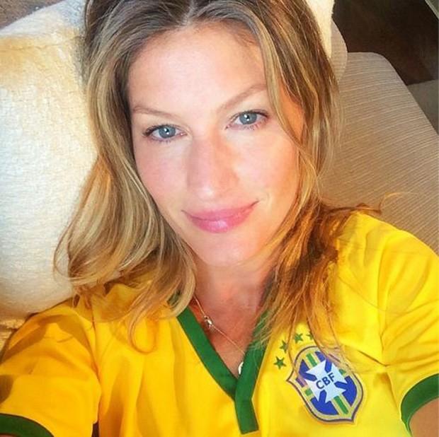 Gisele Bündchen posta selfie sem make antes de partida do Brasil