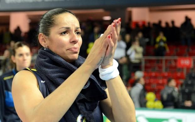 Paula Pequeno; vôlei turquia (Foto: Divulgação)