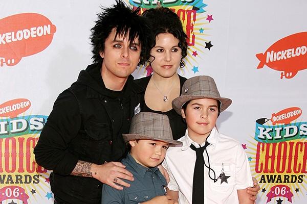 Billie Joe Armstrong, Adrienne Nesser e seus filhos (Foto: Getty Images)