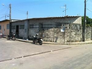 Crime ocorreu na casa onde casal residia em Manaus (Foto: Adneison Severiano/G1 AM)