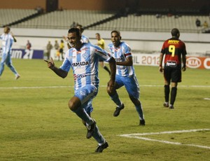 Adriano Magrão comemorando o único gol com a camisa do Paysandu (Foto: Marcelo Seabra/O Liberal)