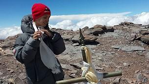 Tyler Armstrong chegou ao pico do Aconcágua na véspera de Natal (Foto: AP)