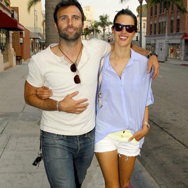 Jamie Mazur e Alessandra Ambrosio (Foto: Grosby Group)