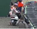 """Dovizioso é pole, e Marquez """"rouba"""" moto de fotógrafo para ir aos boxes"""
