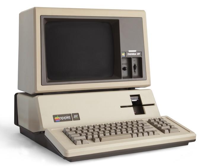 Apple III tinha foco corporativo, mas foi um fracasso (Foto: Reprodução/Elson de Souza)