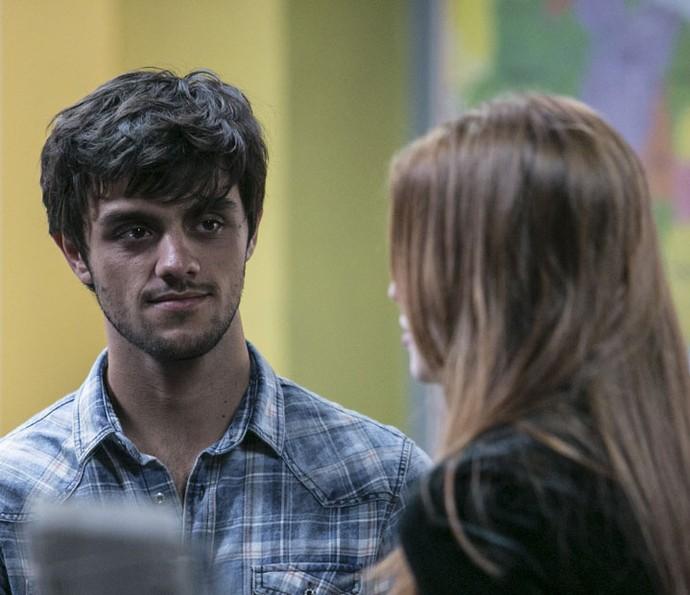 Jonatas deixa Eliza confusa com declaração (Foto: Raphael Dias/TV Globo)