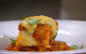 Bacalhau com tomate, batata e azeitona