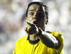 Gutemberg de Paula Fonseca árbitro (Foto: Marcos Bezerra/Futura Press)