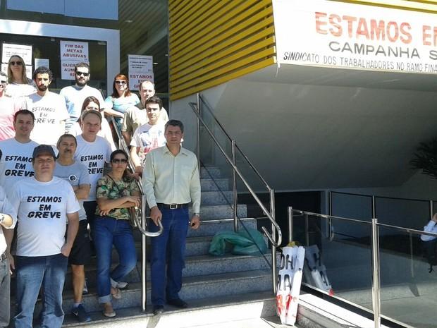 Segundo sindicato, todas as 20 agências bancárias estão paralisadas em Poços de Caldas (Foto: Andréia Ramazzini / Arquivo pessoal)