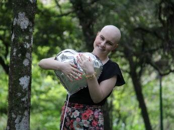 Poliana descobriu a doença em um exame de rotina (Foto: Arquivo pessoal)