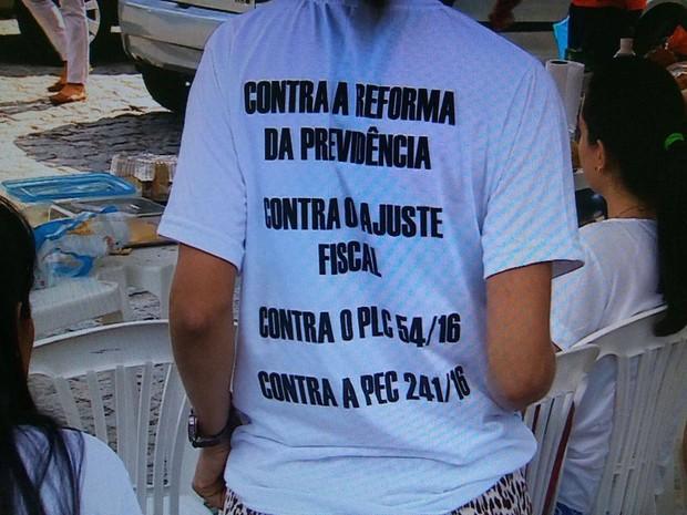Servidores da UFS protestam nesta quarta-feira (15) (Foto: TV Sergipe/Reprodução)