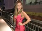 Andressa Suita usa vestido sexy em show de Gusttavo Lima nos EUA