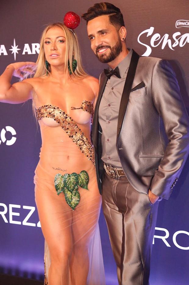 Latino e Jéssica Rodrigues (Foto: Eduardo Saraiva/ Ed. Globo)