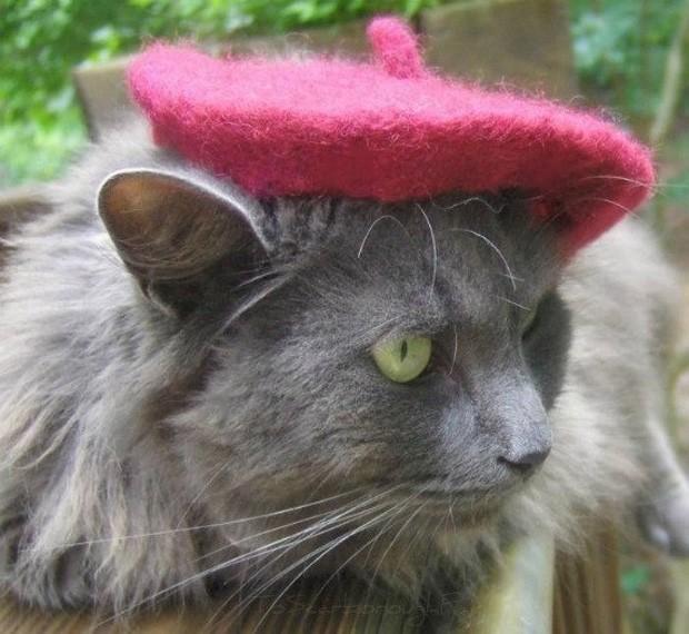 Há mais de 100 modelos disponíveis, entre boinas e chapéus tradicionais (Foto: Divulgação/Amélie Segarceanu)